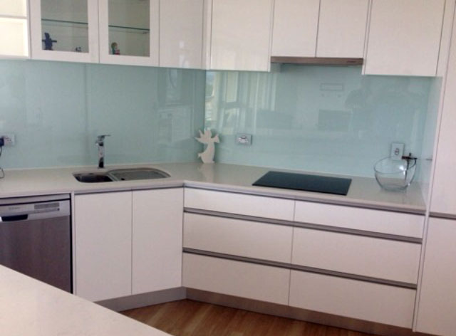 Splashback 6mm Low Iron Toughened, colour – Gentle Green - DnD Glass and Glazing